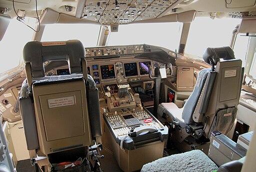 Boeing 777-200ER cockpit