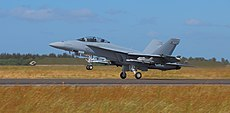 Boeing FA-18F Super Hornet at take off Danish Air Show 2014-06-22 aligned.jpg