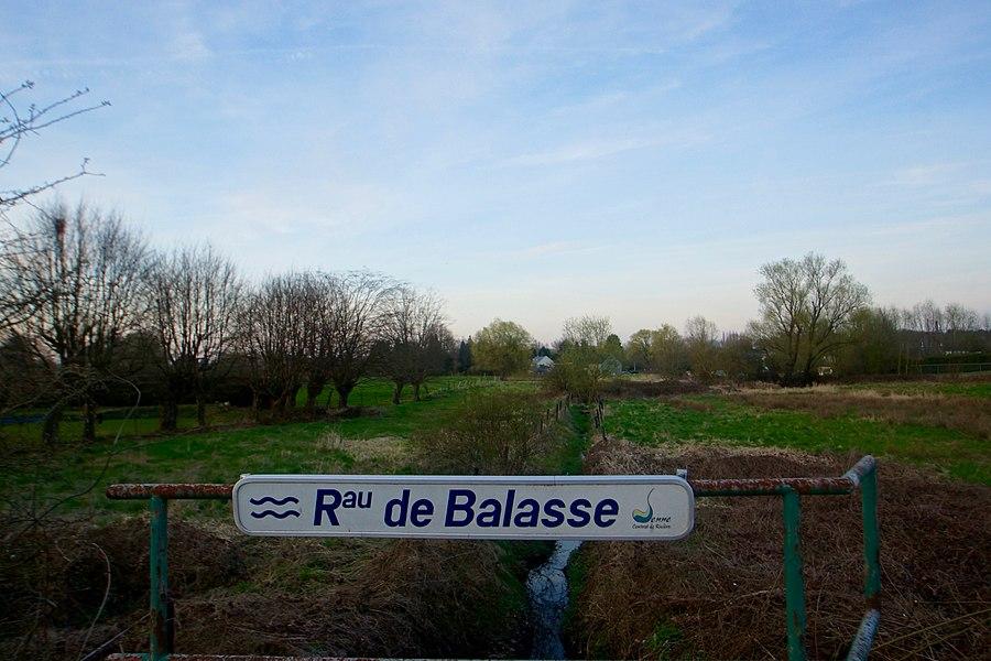 Bois-d'Haine,  Belgium: The River Rau de Balasse at the Rue Louise Lateau