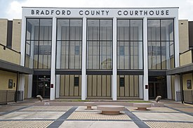 Bradford County Courthouse.JPG