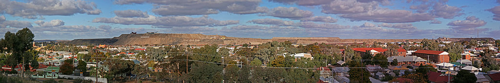 Broken Hill Town & Line of Lode Pano, NSW, 08.07.2007