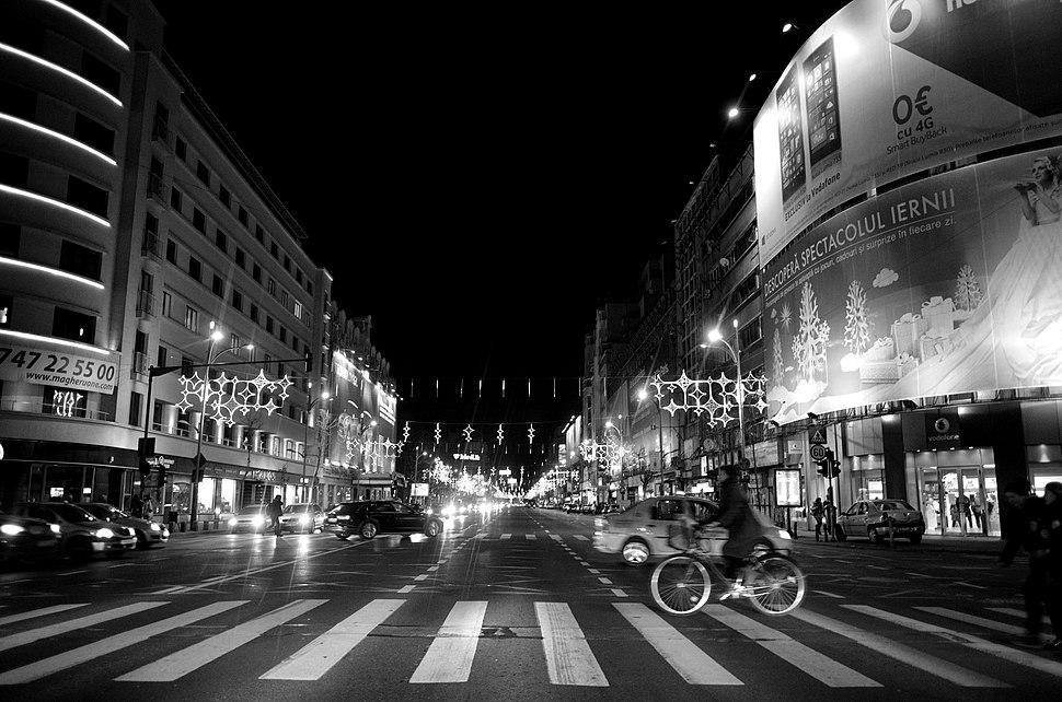Bucharest By Night (16126380945)