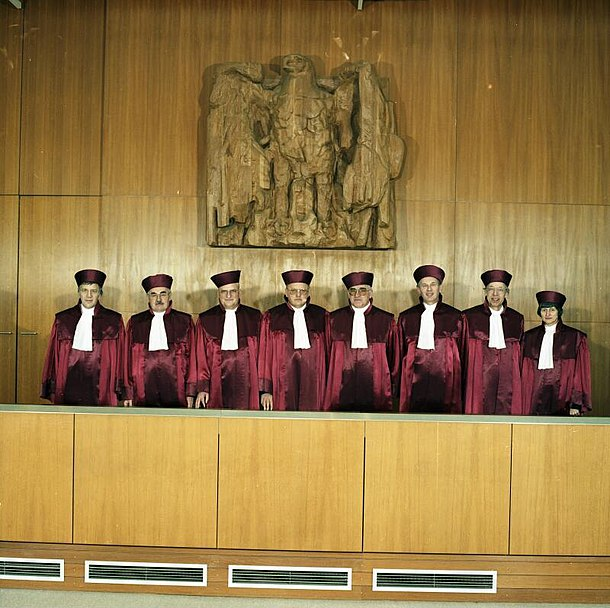 File:Bundesarchiv B 145 Bild-F083310-0005, Karlsruhe, Bundesverfassungsgericht.jpg