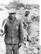 Bundesarchiv Bild 183-B05126, Polen, Posen, Juden bei Zwangsarbeit