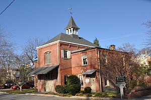 Burlington, New Jersey - This historic carriage house now houses the local tourism office in Burlington.