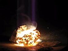 ملف:Burning Magnesium Block!.ogv
