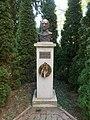 Bust of Gyula Illyés, 2018 Dombóvár.jpg