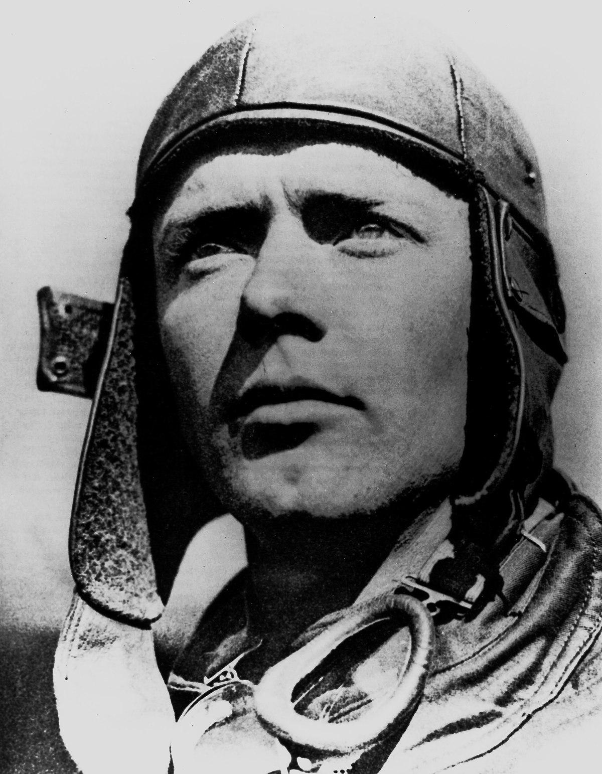 Charles Lindbergh: Biography & American Aviator