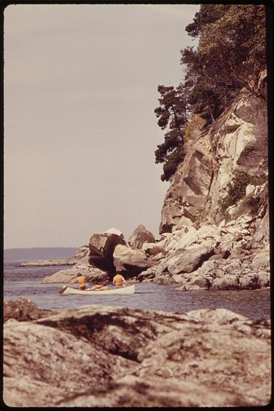 File:CANOEING ON PUGET SOUND AT LARRABEE STATE PARK ON NORTHERN PUGET SOUND - NARA - 552333.jpg