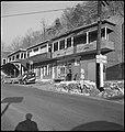CH-NB - USA, near Charleston-WV- Häuser - Annemarie Schwarzenbach - SLA-Schwarzenbach-A-5-11-197.jpg