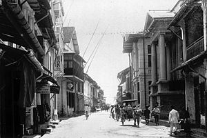 Makassar - Market Street (Passarstraat) in the early 20th century