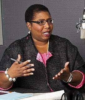 Callie Crossley American broadcast journalist