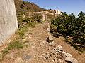 Camino a la villa vieja, Alicudi, Islas Eolias, Sicilia, Italia, 2015.JPG