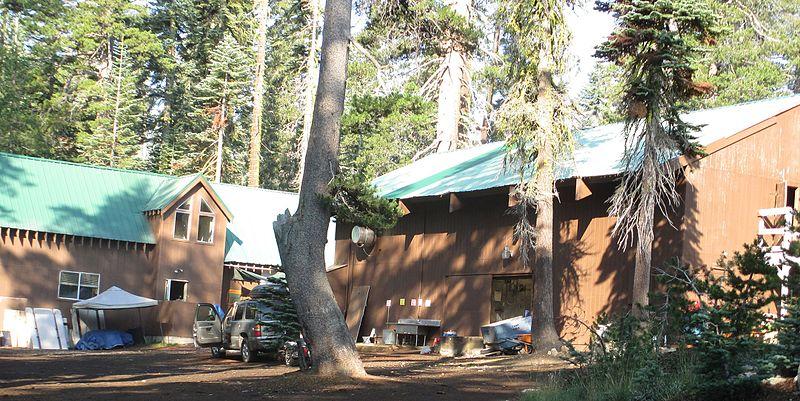 File:Camp cole buildings2.jpg