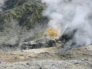 Campanian volcanic arc - Sulfur at the Solfatara crater