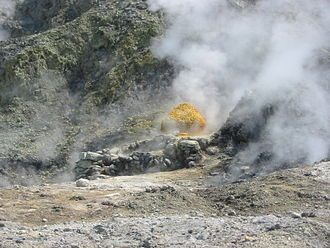 Campanian volcanic arc - Sulfur at the Solfatara crater