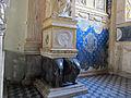 Cappella degli antenati, elefanti malatestiani e dado con stemmi e ritratto s.p. malatesta, sx 01.JPG