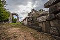 Carsulae, arco di S. Damiano ed area della necropoli.jpg