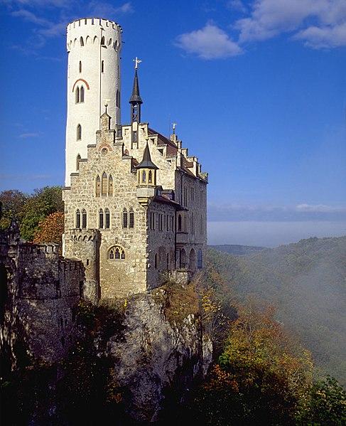 Datei:Castle Lichtenstein at Lichtenstein-Honau, Baden-Württemberg.jpg