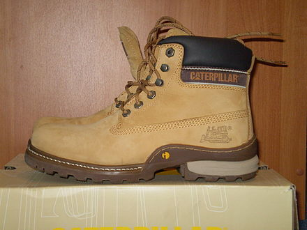 caterpillar shoes kw 135 millimeters to inches
