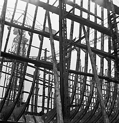 Cecil Beaton Photographs- Tyneside Shipyards, 1943 DB37.jpg