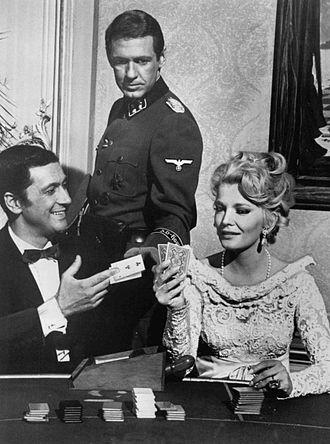 Garrison's Gorillas - Cesare Danova, Ron Harper and Gena Rowlands in a 1968 episode