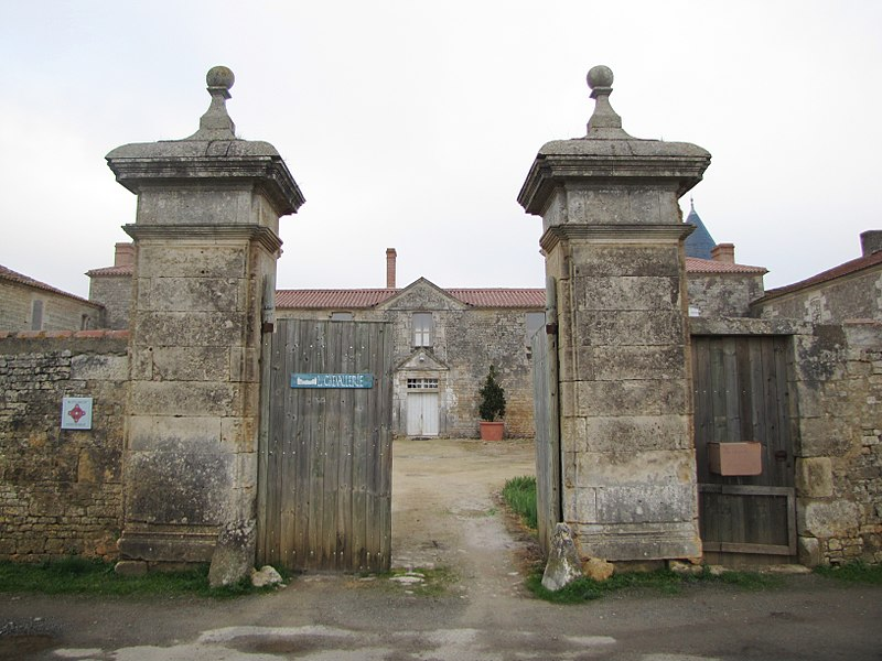File:Château de la Chevallerie.JPG