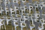 Chairs - Empty! (14705619914).jpg
