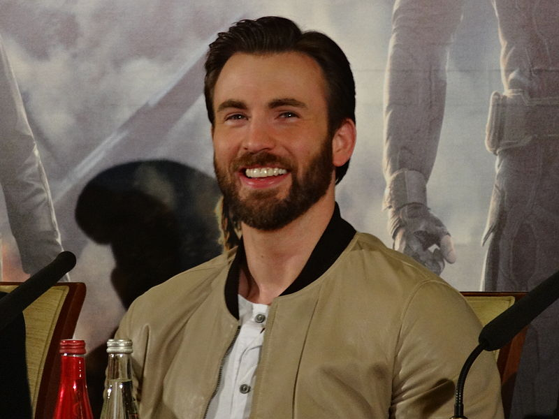 File:Chris Evans - Captain America 2 press conference.jpg