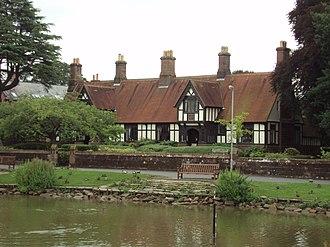 Listed buildings in Christleton - Dixon's Almshouses