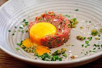 Steak tartare - Image: Classic steak tartare
