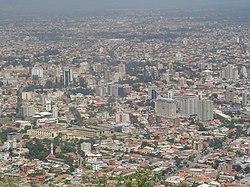 La mejora de la economía boliviana se refleja en sus ciudades tal es el ejemplo de Cochabamba, urbe que crece agitadamente
