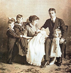 Ingrid of Sweden - Princess Ingrid (far right) with her father, mother and three brothers in 1912.