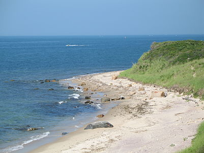 Site of the 1781 shipwreck of the Culloden Culloden-point.jpg
