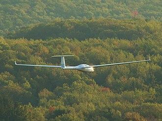 Glaser-Dirks DG-500 - A DG-505 ridge soaring in Pennsylvania U.S.A.