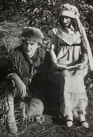 Davy Crockett (1916 film) -  Dustin Farnum and wife Winifred Kingston