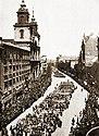 Demonstracja trzeciomajowa w Warszawie 1916r (HistoriaPolski str.34).jpg