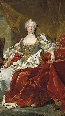 Detail of Elisabeth Farnese, Queen of Spain in a 1743 painting by Louis Michel van Loo.jpg
