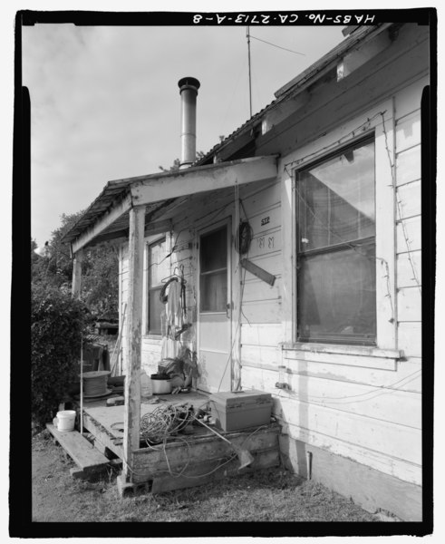 File:Detail of entry porch; view to southwest. - Nunes Dairy, Worker's Residence No. 2, 9854 Bruceville Road, Elk Grove, Sacramento County, CA HABS CA-2713-A-8.tif