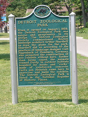 Detroit Zoo - Historical Marker at the main entrance.