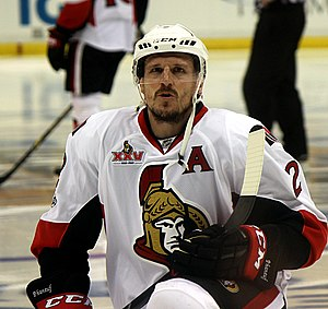Dion Phaneuf - Phaneuf with the Senators in 2017