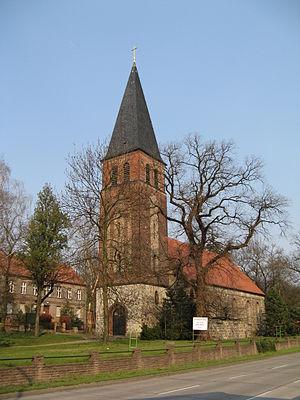 Biesdorf (Berlin) - Image: Dorfkirche Biesdorf suedwest