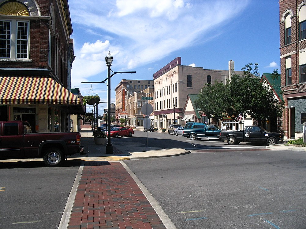 The population density of Anderson in Indiana is 506.72 people per square kilometer (1312.35 / sq mi)