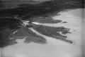 ETH-BIB-Hagneck, Mündung des Aare-Hagneck-Kanals in den Bielersee mit Kraftwerk Hagneck aus 100 m-Inlandflüge-LBS MH01-004518.tif
