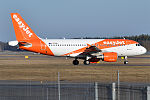 EasyJet, G-EZDR, Airbus A319-111 (25638473214).jpg