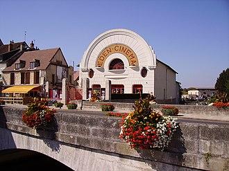 Cosne-Cours-sur-Loire - Éden cinema in Cosne-Cours-sur-Loire town centre.