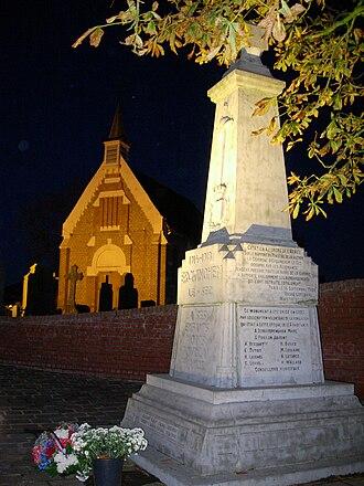 Erquinghem-le-Sec - Image: Eglise Saint Vaast Monument aux Morts