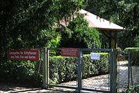 Eingang zum Giftgarten an der Isar.jpg