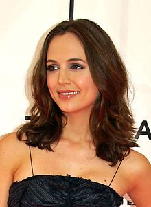 Eliza Dushku at the 2007 Tribeca Film Festival.jpg