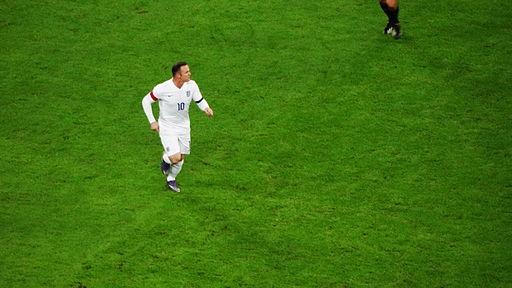 England striker Wayne Rooney (23125438141)
